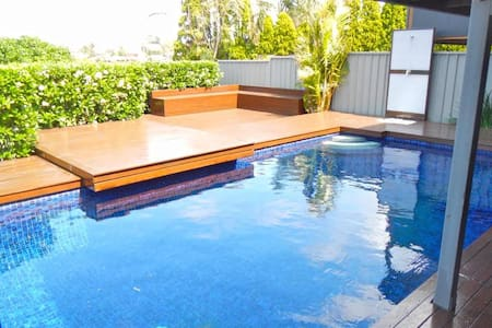 Private pool and ocean view - Maison