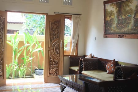 Private Room with Balcony - North Kuta - Bed & Breakfast