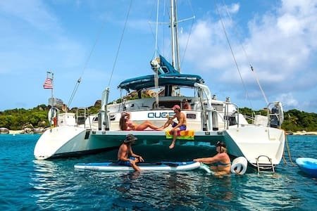 Sail the Virgin Islands on a 57' classic Catamarn - Barca