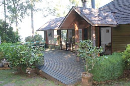 Casa orilla de lago en Panguipulli. - House