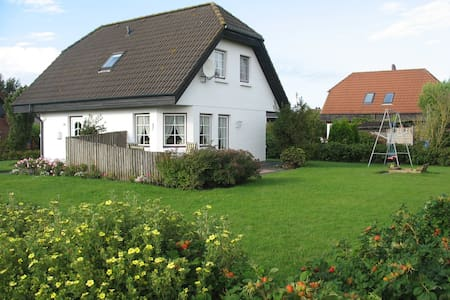 """Das """"Weiße Haus"""" - House"""