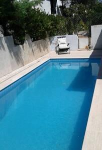 Alaçatıda özel havuzlu villa - Casa
