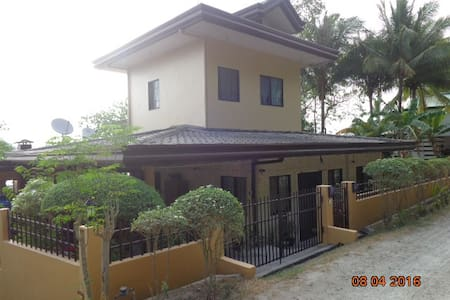 B-Beautiful Beachfront Apartment, Picturesque View - Island Garden City of Samal