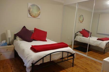 Sunny room in beach front villa - Ramsgate Beach
