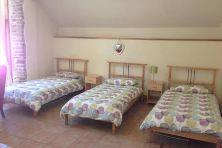Tondu House Farm Bunkhouse - Piso Inteiro
