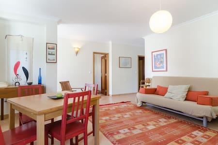 Lovely holiday flat in Bordeira - Casa