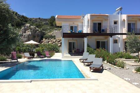 Luxury villa - large private pool - Villa