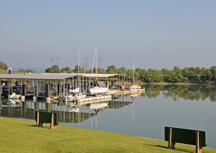 *Runaway Bay,TX, 1 Bedroom #1 /0878 - Appartement