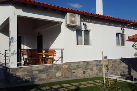 Villa Aris, Коринфия - Isthmia