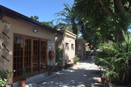 Crown Guest Rooms - Francistown
