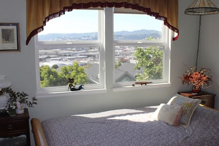 Private room for female guest - San Francisco - House