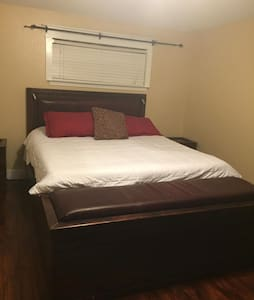 Master Bedroom 3 Bed 1.5 Bath - Austin - House