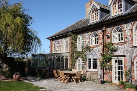 Beautiful cottage in superb coastal location for 9 - Morston - Hus