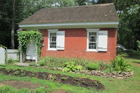 Riggsville Schoolhouse - Georgetown