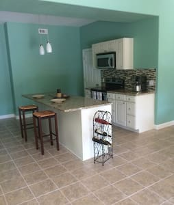 Lovely and private  in Fayetteville - Fayetteville