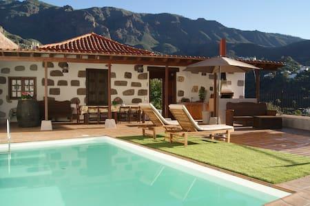 Finca Mariola Centenary House - Pool & Jacuzzi - Sant Bartolomé de Tirajana - Casa