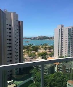 Apartamento na Praia do Canto com vista para o mar - Pis