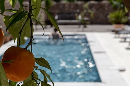 Townhouse with garden and pool - Sóller - Bed & Breakfast