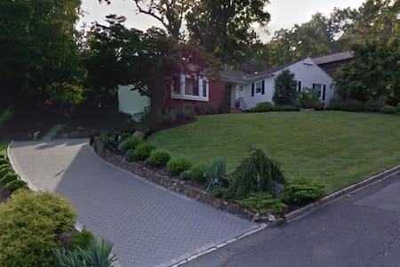 During PGA Championship at Baltusrol: House Rental - Σπίτι