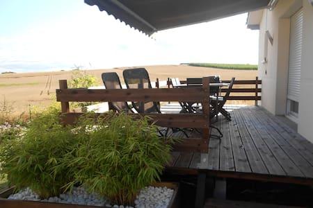 Un petit coin tranquille - Puymiclan - Apartment