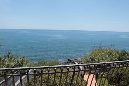 Luxury flat in front of the sea - Aci Castello - Apartment