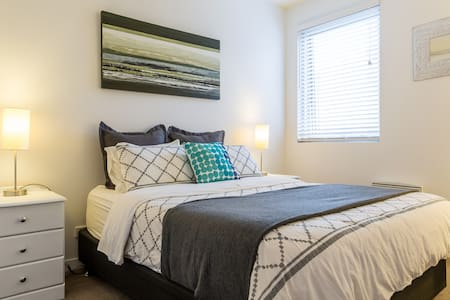 Spacious 2 Bed Apartment with early check-in - Collingwood