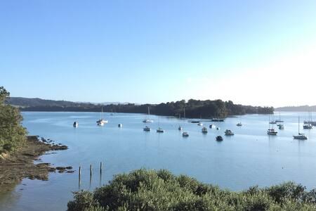 Fabulous Waterfront Getaway - Ev
