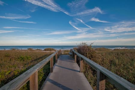 Oceanview Condo - Sleeps 4! - Kondominium