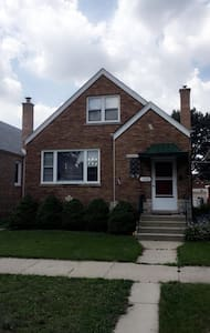 Luxurious 2 Bedroom Close to Downtown - Berwyn - Hus