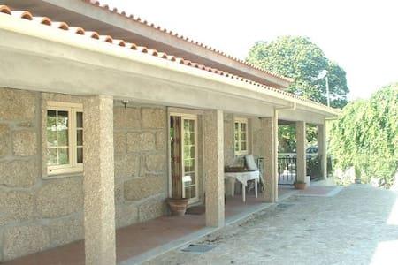 Quinta met zwembad en grote tuin - Villa