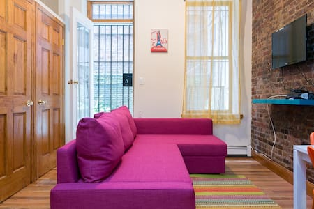 Times Square Duplex Loft: sleeps 6! - New York - Appartement