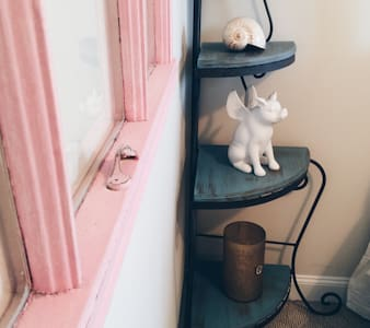 Penelope's Room, Abbey Lane House - House