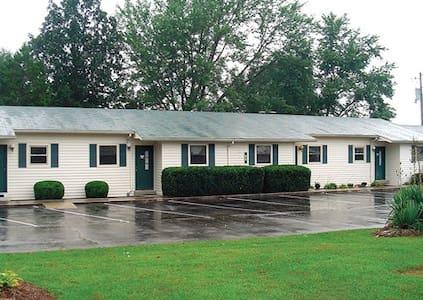 *Crossville, TN, 2 Bedroom #1 /0247 - Crossville - Apartment
