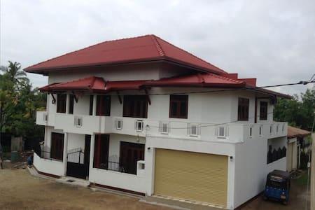 Mother Lanka Rest House - House