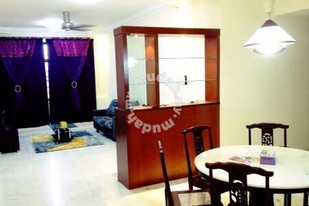 Affordable Homestay in KL - Társasház