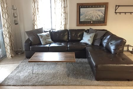 Upgraded, Cozy Condo. Affordable Rates! - Lyxvåning