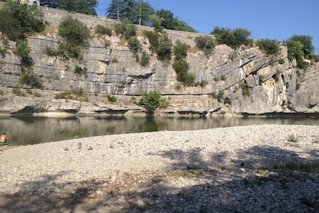 Ardeche sud -By the river - House