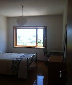 WTCC quarto + sala + casa de banho + cozinha + gar - Appartement