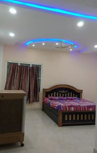 Private room in a triplex villa - Secunderabad - House