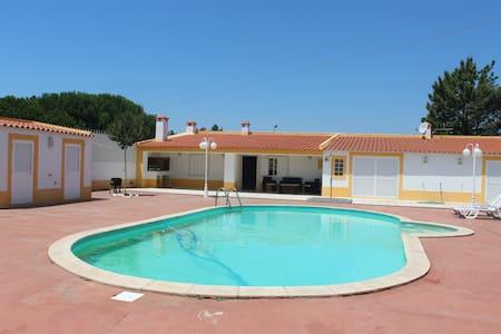 3 bedrom villa near lisbon (20 min) - Villa