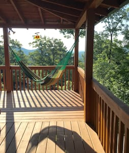 Relax in this Peaceful Blue Ridge Mountain Home - Epworth - Cabaña