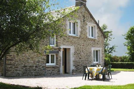 Traditional Breton Cottage - Réminiac