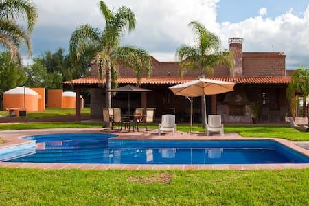 Cabaña con Alberca en Aguascaliente - Aguascalientes