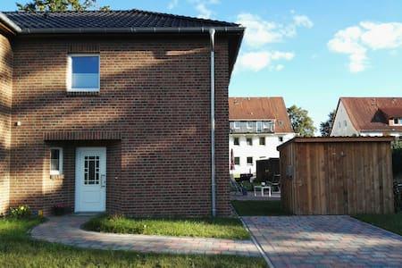 Schöner Neubau in Uelzen - Uelzen - Maison