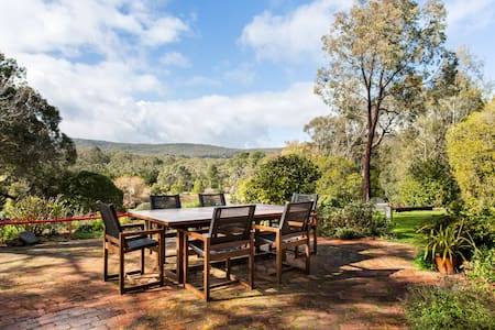 Adrienne's Country Retreat - Mt Macedon