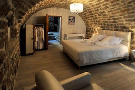 Belle chambre, jaguzzi, sauna. - Sanilhac - Gästehaus