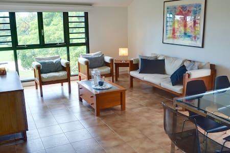 Steps to the beach! Sleeps 8 at a great price - Humacao - Stadswoning