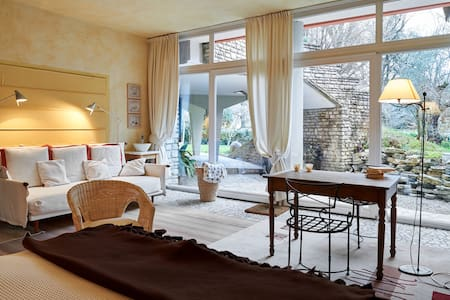 Suite Finardi Charme in the garden - Bed & Breakfast