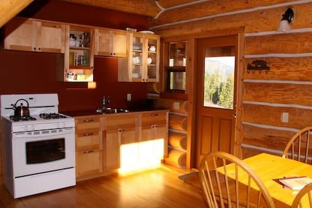 Bear Valley Highlands Log Chalet - Lumby