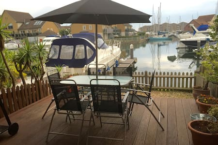 Port Solent Marina Village - House